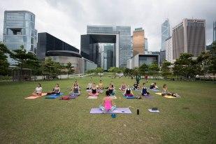 20150502 - Cora Tamar Park Yoga II - 012