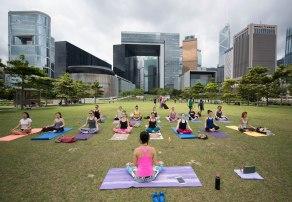 20150502 - Cora Tamar Park Yoga II - 020