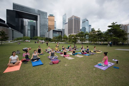 20150502 - Cora Tamar Park Yoga II - 021