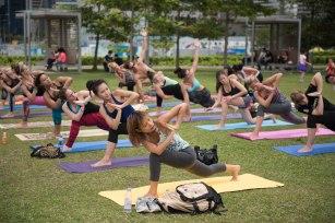 20150502 - Cora Tamar Park Yoga II - 270