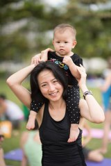 20150502 - Cora Tamar Park Yoga II - 540